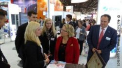 Photo: Secretary Svenja Schulze talks with students