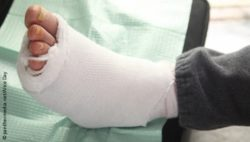 Image: Thickly bandaged foot; Copyright: panthermedia.net/Alice Day