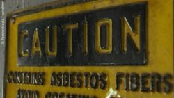 Image: an asbestos warning sign; Copyright: PantherMedia / carrollmt