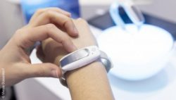 Image: smart watch at MEDICA; Copyright: Messe Düsseldorf