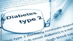 "Image: The words ""Diabetes type 2"" under glasses; Copyright: panthermedia.net / designer491"