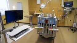 Image: A hospital room with different monitors and medical devices; Copyright: panthermedia.net/Christopher Boswell