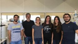 Image: group of people posing for the camera; Copyright: UAB Institut de Neurociencies