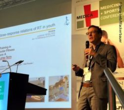 Image: Prof Urs Granacher at MEDICA; Copyright: beta-web/Wackerbauer