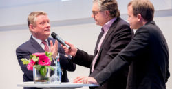 Federal health minister, Herbert Gröhe in discussion at the MEDICA ECON FORUM by TK