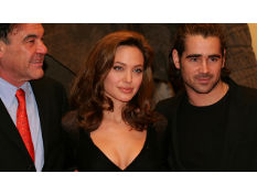 Photo: Oliver Stone, Angelina Jolie and Colin Farrell