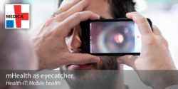 Image: Examination of the eye's background using a smartphone camera; Copyright: Messe Düsseldorf