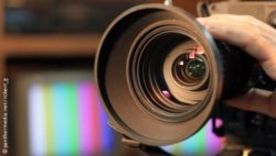 Image: Lens of a camera; Copyright: panthermedia.net/robert g