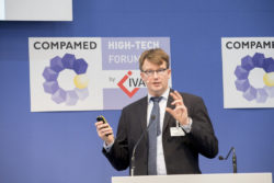 Foto: Speaker at COMPAMED HIGH-TECH FORUM by IVAM