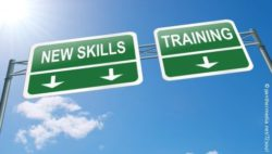 "Photo: Sign with words ""New Skills"" and""Training""; Copyright: panthermedia.net/72soul"