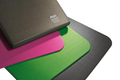 The new AIREX Fitline mats and the AIREX Balance-pad Elite