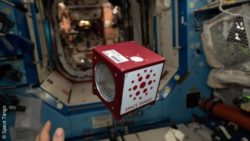 Image: Space Tango CubeLab on board the International Space Station ISS without gravity; Copyright: Space Tango