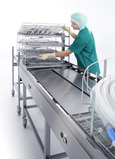 A robust frame ensures safe conveyor operation. Height-adjus