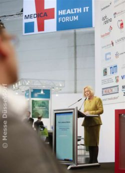 Image: Mrs. Prof. Wanka at the MEDICA HEALTH IT FORUM 2015