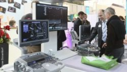Image: Exhibitors during the fair, ultrasound equipment; Copyright: Messe Düsseldorf