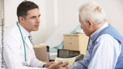 Image: A doctor talking to an elderly patient; Copyright: panthermedia.net/Monkeybusiness