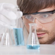 Photo: Researcher in a laboratory