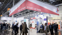 "Foto: Joint Stand of ""MEDICA START-UP PARK"""