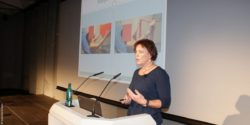 Image: Christiane Adamczewski during her lecture at MEDICA 2016; Copyright: beta-web/...