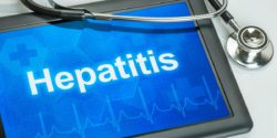 "Image: the word ""hepatitis"" on blue ground; Copyright: panthermedia.net/zerbor"