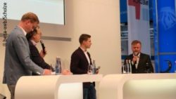 Image: Markus Rehm (2nd from right) at the ECON FORUM of MEDICA; Copyright: beta-web/Scholze