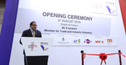Minister Iswaran speaking at the Opening Ceremony of MEDICAL MANUFACTURING ASIA_& MEDICAL FAIR ASIA_2016